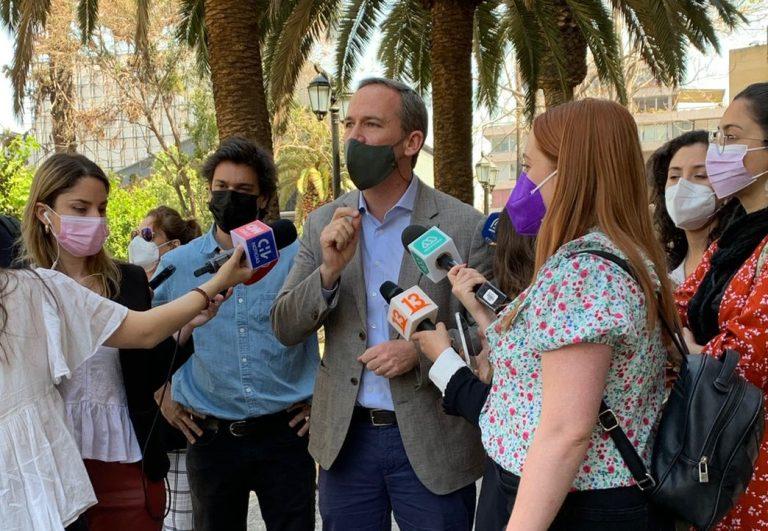 """Parlamentarios oficialistas visitaron """"Zona 0"""", condenaron violencia de ayer y pidieron a la oposición que retire proyecto de indulto"""