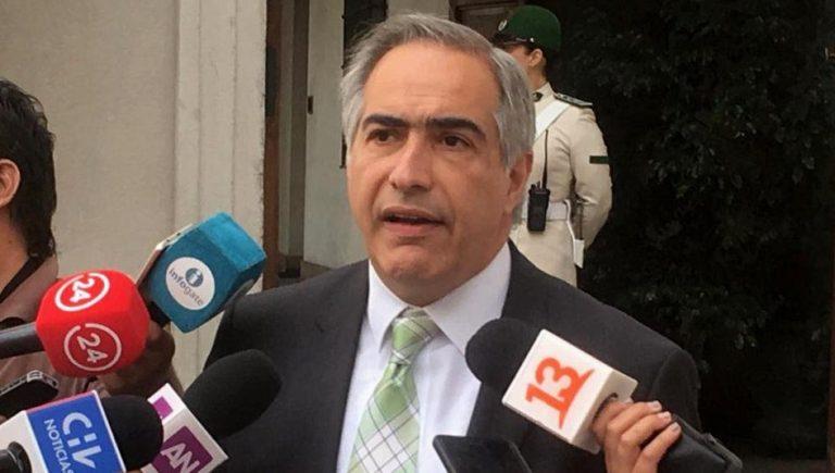 """Chahuán calificó como """"oportunistas"""" últimas deserciones de parlamentarios oficialistas para apoyar a Kast"""