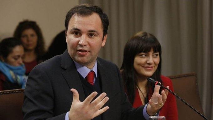 Campaña de Sichel sigue hundiéndose: ahora renuncia su coordinador tras denuncia de CHV por platas irregulares en 2009