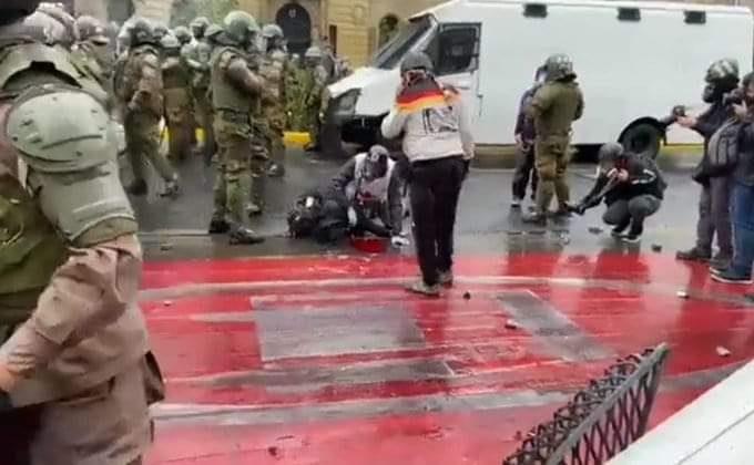 Muere abogada herida en manifestaciones en Santiago durante esta mañana