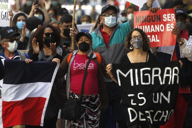 """Marcha a favor de los migrantes criticó lo """"tarde que llega el Gobierno"""" a solucionar la crisis"""
