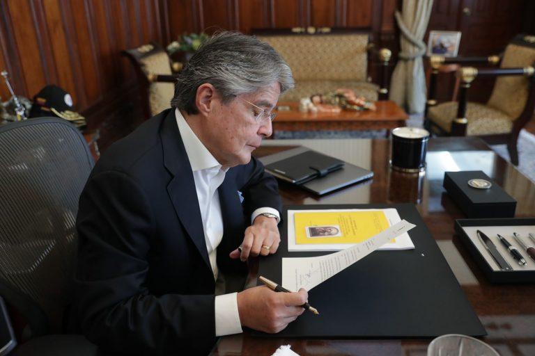 Efecto Pandora Papers: Presidente de Ecuador renuncia a secreto bancario para que  lo investiguen (podría inspirar a otro…)