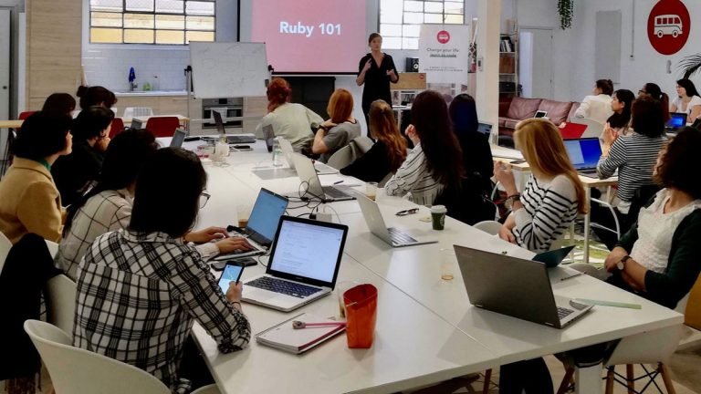 Online y sin gastar un peso: 4 cursos para aprender a programar desde cero