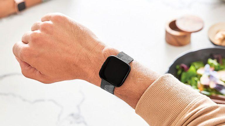 Amazon Alexa integrada en dispositivos smartwatch de Fitbit