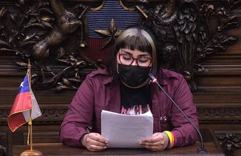 """El emotivo discurso de la constituyente Valentina Miranda: """"Intente suicidarme 3 veces porque no encontraba la salida a los problemas"""""""